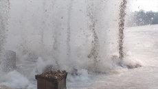 Весенний первый гром: спасатели взрывают лед на реках Приморья