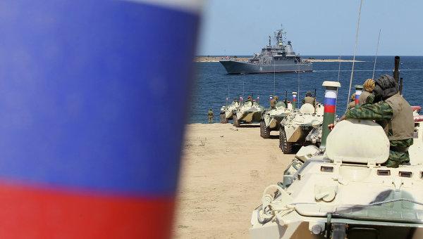 Черноморский флот РФ в бухте Севастополя, архивное фото