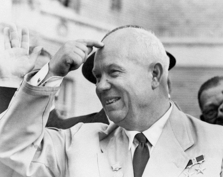 Никита Хрущев с официальным визитом в США приветствуется толпой 23 сентября 1959 в Сан-Франциско