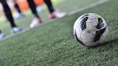 Игра в мини-футбол. Архивное фото