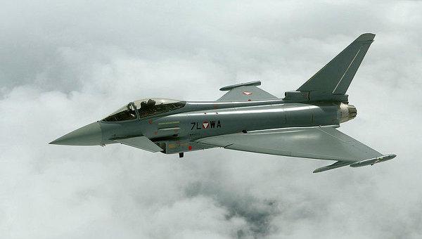 Истребитель Eurofighter Typhoon, архивное фото