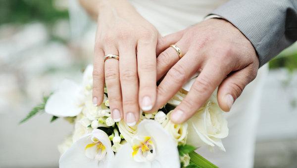Свадебные кольца. Архивное фото