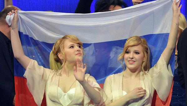 Мария и Анастасия Толмачевы после выступления в полуфинале конкурса Евровидение-2014 в Копенгагене