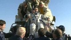 Возвращение спускаемого аппарата Союза с экипажем МКС. Кадры приземления