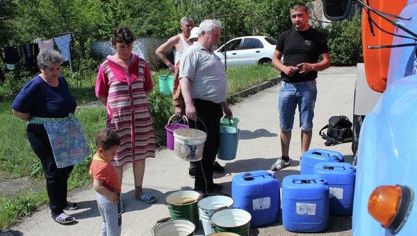 Ситуация с питьевой водой.Архивное фото.