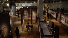 Посетители в Третьяковской галерее. Архивное фото