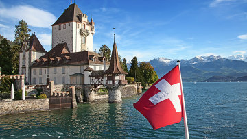 Флаг Швейцарии в Оберхофене. Архивное фото
