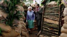 Королева Великобритании Елизавета II на Chelsea Flower Show в Лондоне