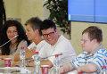 """Авторы и герои фильма """"Свои не свои"""""""