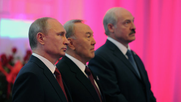Рабочий визит В.Путина в Астану для участия в заседании ВЕЭС. Архивное фото