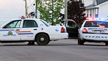 Офицер в канадском городе Монктон, где вооруженный мужчина застрелил троих полицейских