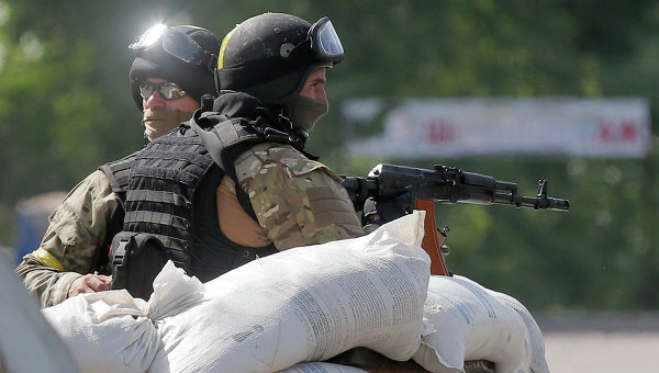 Украинские силовики на блокпосту. Архивное фото