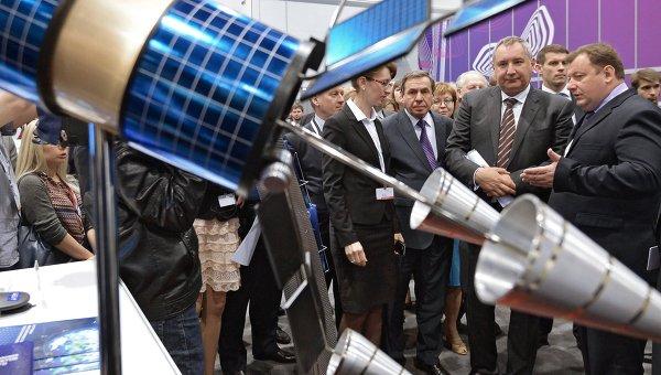 Заместитель председателя правительства РФ Дмитрий Рогозин на Технопром - 2014 в Новосибирске