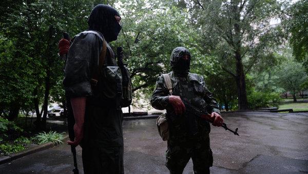 Ситуация у воинской части № 3004 в Донецке. Архивное фото