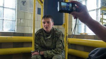 Украинский офицер Надежда Савченко после задержания в Луганске. Архивное фото