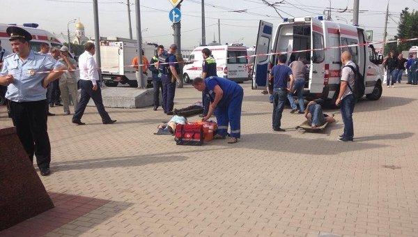 Эвакуация пассажиров Московского метрополитена, пострадавших в результате схода с рельсов вагона на перегоне Парк Победы - Славянский бульвар