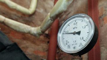 Манометр системы отопления. Архивное фото