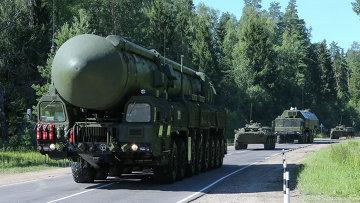 Подвижный грунтовой ракетный комплекс (ПГРК) Ярс. Архивное фото