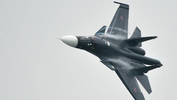 Истребитель Су-34, архивное фото