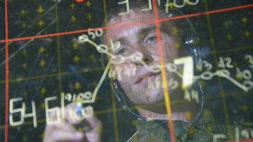 Военнослужащий в командном пункте во время учений ПВО. Архивное фото