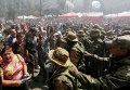 Столкновение протестующих с правительственными силами на площади Независимости в Киеве