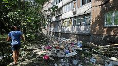 Поврежденный в результате обстрела жилой дом в Донецке. Архивное фото
