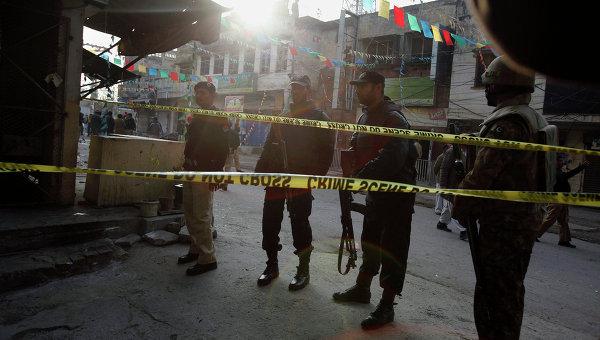 Пакистанские солдаты и сотрудники полиции. Архивное фото