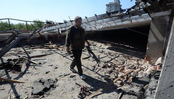 Здание областного краеведческого музея, пострадавшего от обстрела Донецка украинской армией