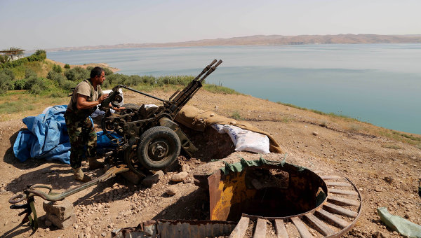 Член курдского вооруженного формирования, архивное фото