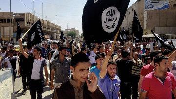 Сторонники Исламского государства Ирака и Леванта в Багдаде. Архивное фото