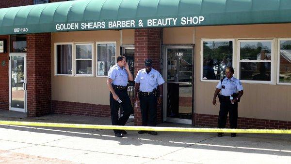 На месте в Сент-Луисе, где полицейскими был застрелен чернокожий юноша