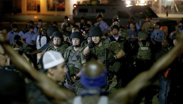 Беспорядки в городе Фергюсон, Миссури, США. Архивное фото