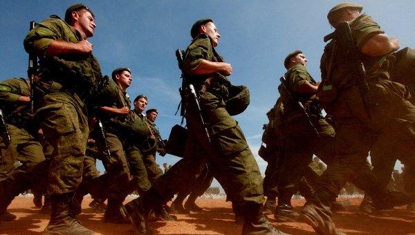 Российские военнослужащие на учениях. Архивное фото