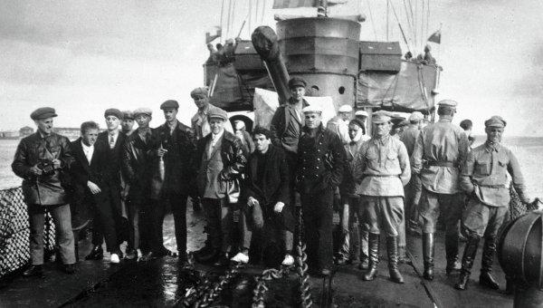 Съемочная группа фильма Броненосец Потемкин. Архивное фото