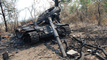 Танк украинских силовиков, уничтоженный ополченцами. Архивное фо то.