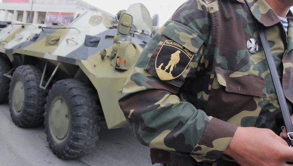Бойцы самообороны Крыма в Симферополе. Архивное фото