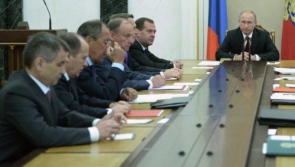 Владимр Путин провел заседание Совбеза РФ