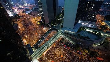 Протестующие на улицах Гонконга. Архивное фото.