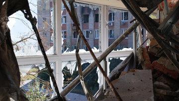 В одном из разрушенных зданий аэропорта города Донецка. Архивное фото