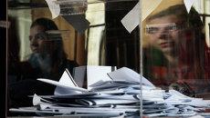 Избирательный участок в городе София во время досрочных парламентских выборов. Болгария, 5 октября 2014