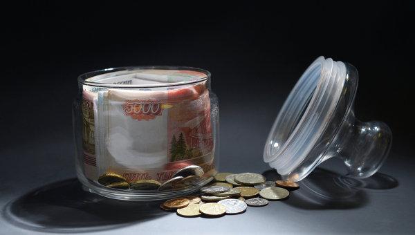 НАФИ: россияне охотно занимают деньги у родственников и знакомых - ElkNews.ru