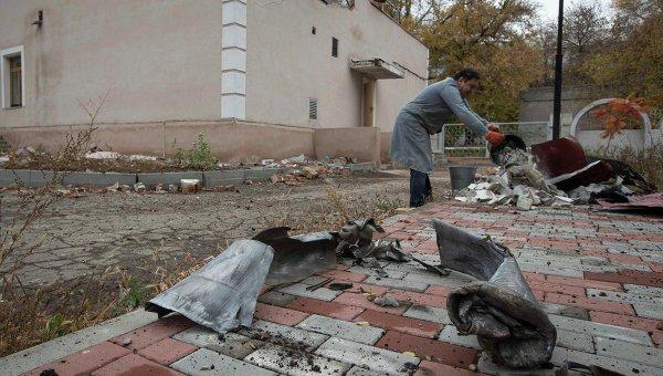 Последствия обстрела Донецка 16 октября 2014