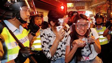 Столкновения активистов движения Occupy Central с полицией в Гонконге, 18 октября 2014