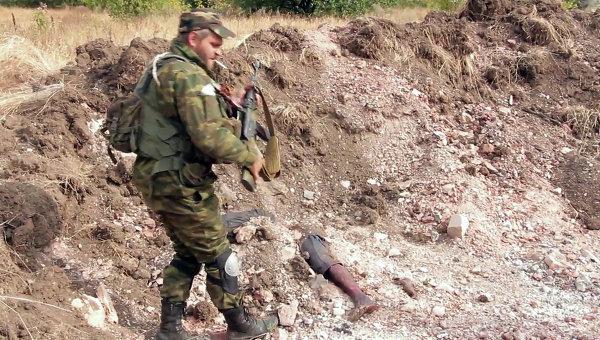 Под Донецком найдены захоронения мирных жителей, архивное фото