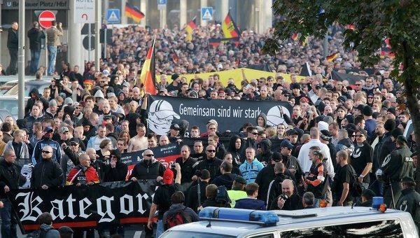 Акция протеста против салафитов в Кельне