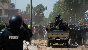Полиция на улицах столицы Буркина-Фасо города Уагадугу. Архивное фото