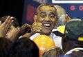 Президент США Барак Обама во время визита в школу в Милуоки