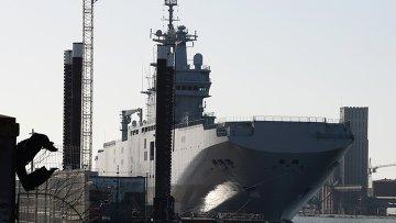 Десантный корабль Владивосток класса Мистраль, архивное фото