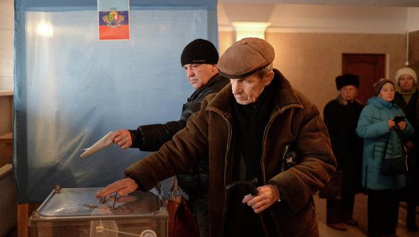 Глава ЛНР перенес местные выборы
