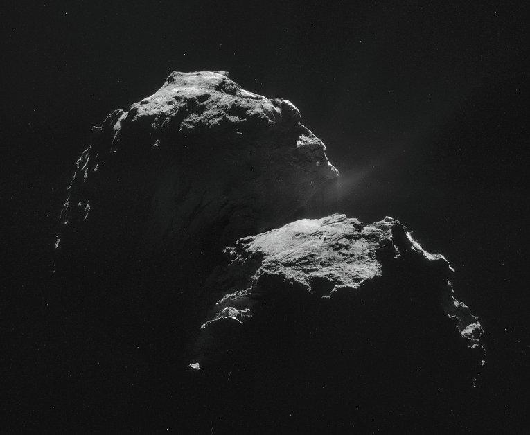 Фотография кометы Чурюмова-Герасименко, сделанная космическим аппаратом Розетта (Rosetta). 11 ноября 2014